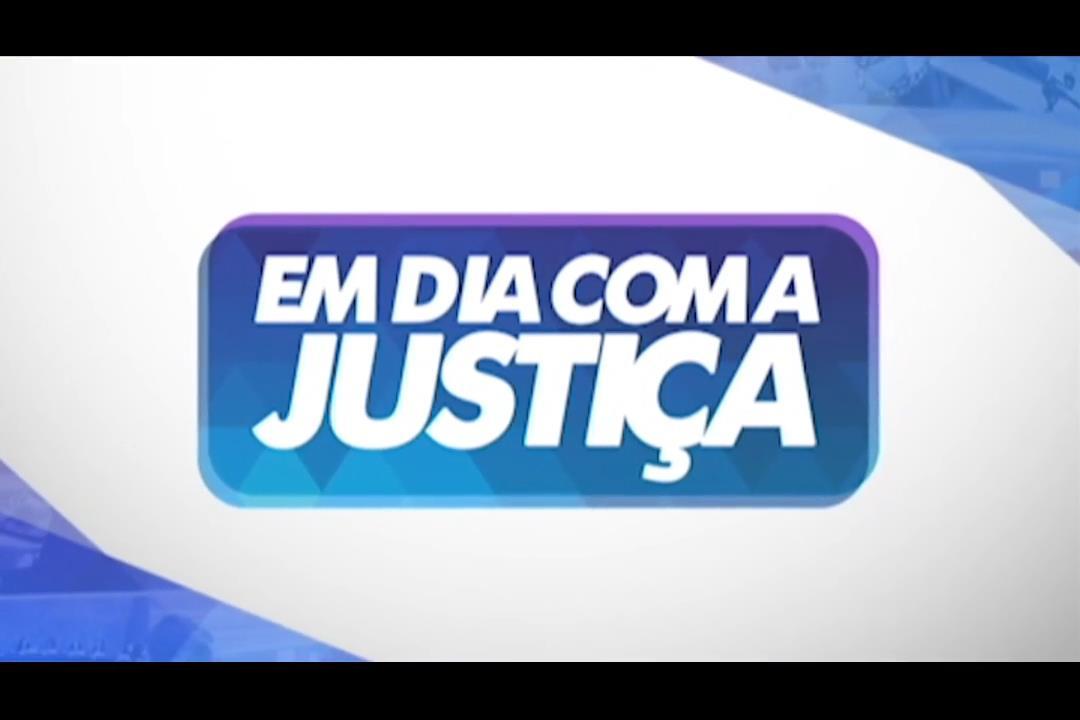 'Em Dia com a Justiça' destaca casamento coletivo de casais LGBT